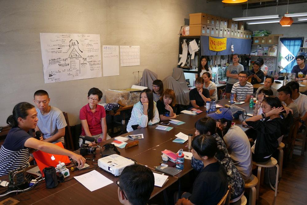 透過四堂志工培訓課程,讓志工更了解籌辦今秋藝術節的想法。圖 / 今秋藝術節提供