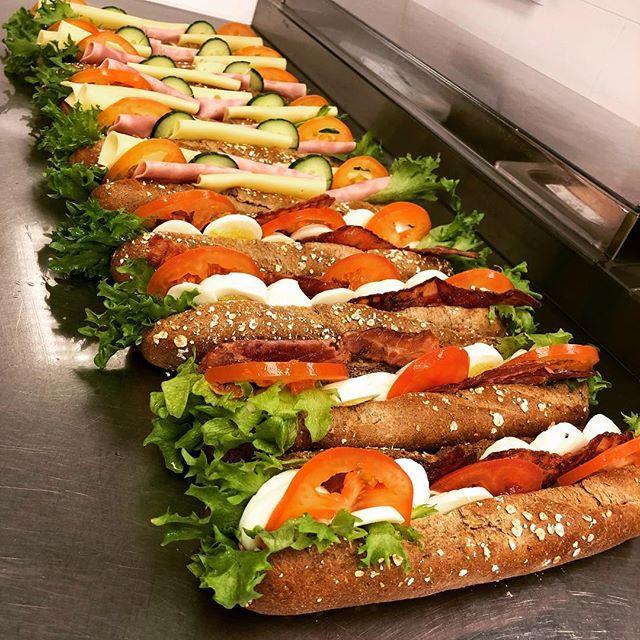 Fersksmurte baguetter hver dag😊 #baguetter #fersk #rennebu