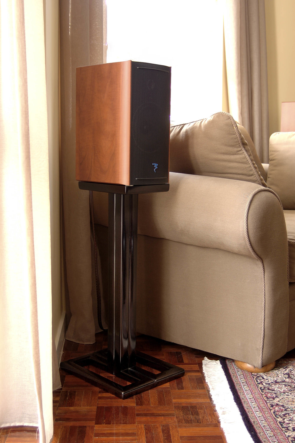 ....bespoke chinese ming style furniture : speaker stand..特别定制中式明式家具 : 喇叭几架....