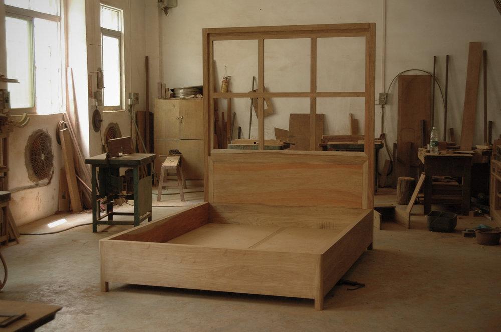 ....modern chinese furniture : artisan crafting photos ..摩登中式家具 : 公丈制作照片....