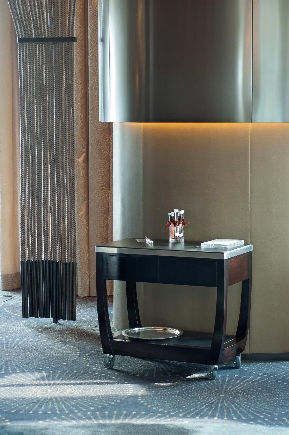 ....bespoke modern furniture | macau crown towers : service trolley (gueridon) ..特别定制现代家具 | 澳门皇冠度假酒店 : 服务车....