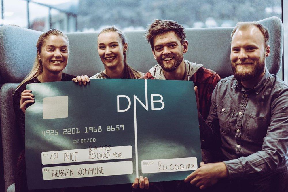 Bilde  Fornøyd gjeng! Fra venstre Sara Pedersen Stene, Malin Fjell Olsen, Rune Eikemo og Audun Klyve Guldbrandsen. Foto: GunFilm
