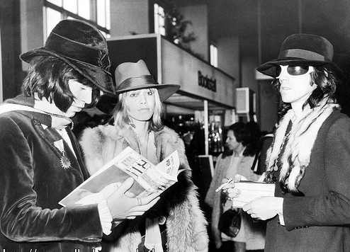 Stones, Anita in tailoring, hats and scarves.