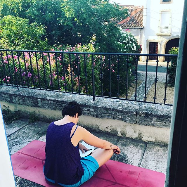 Charlene is teaching a yoga class this morning! Here she is prepping for it :) if you're in Lamalou-les-Bains, join us at 10:00 at Chateau Coubillou and start your weekend!  #yoga #morning #class #vinyasa #france #weekend #yogaeverydamnday #hello