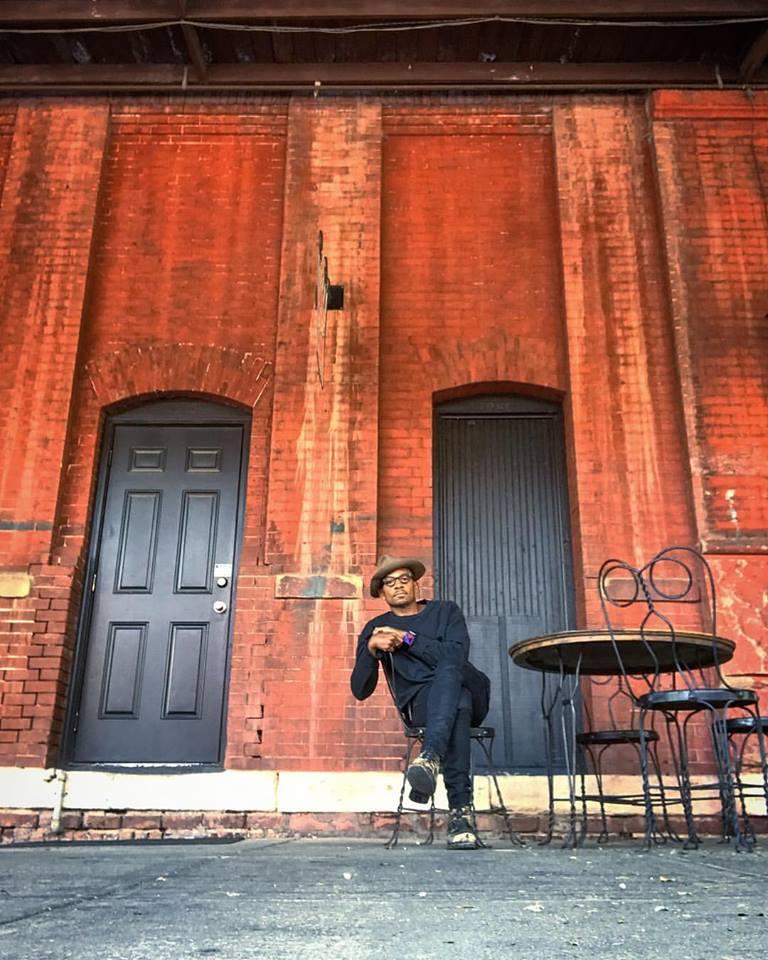 Marlon+Cafe+Style.jpg