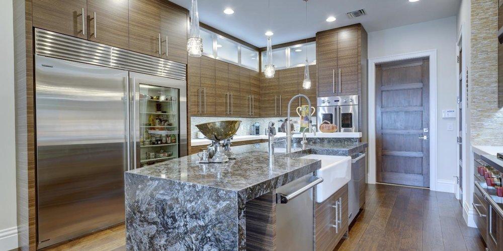 Kitchen Area and Breakfast Area