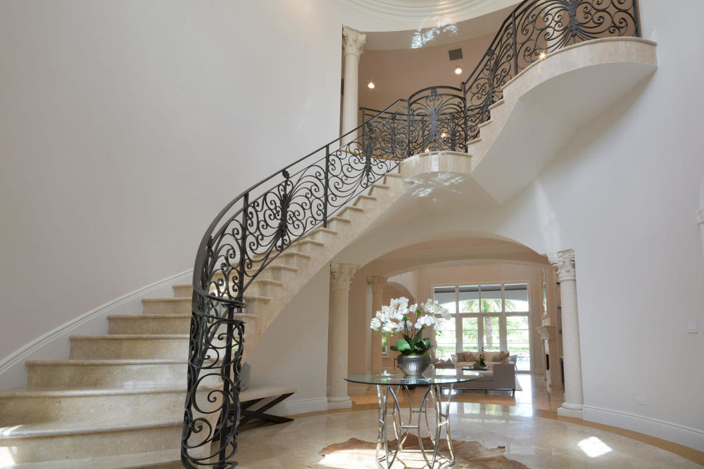 custom staircase 1.jpg