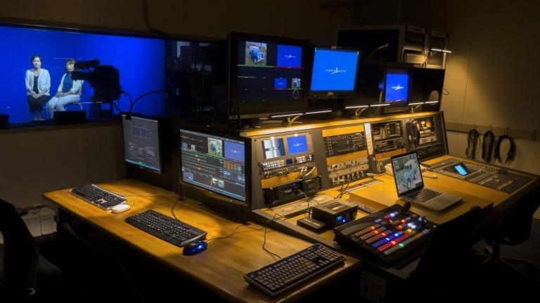 Studio / Live Broadcast - スタジオ / ライブ中継