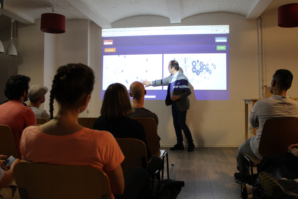Marko Bocevski, Viderum's CTO, shows the functionalities of Viderum's visualization tool for CKAN