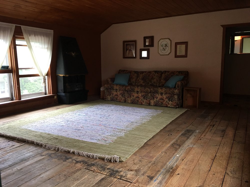 Artist in ResidenceApartment - Weekend, Monthly, YearlySliding Scale Private apartment with shared studio space.CURRENTLY BOOKED | ACCEPTING APPLICATIONS