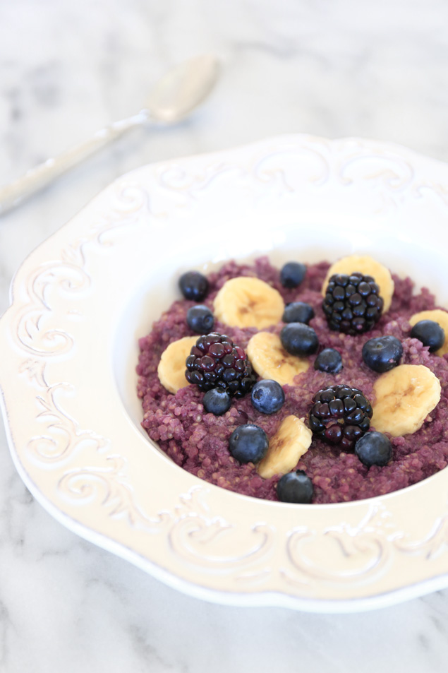 berry-breakfast-quinoa
