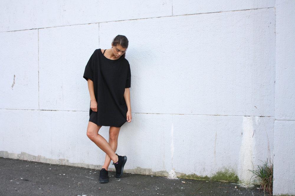 black-ponte-oversized-tee-shirt-dress-5.jpg