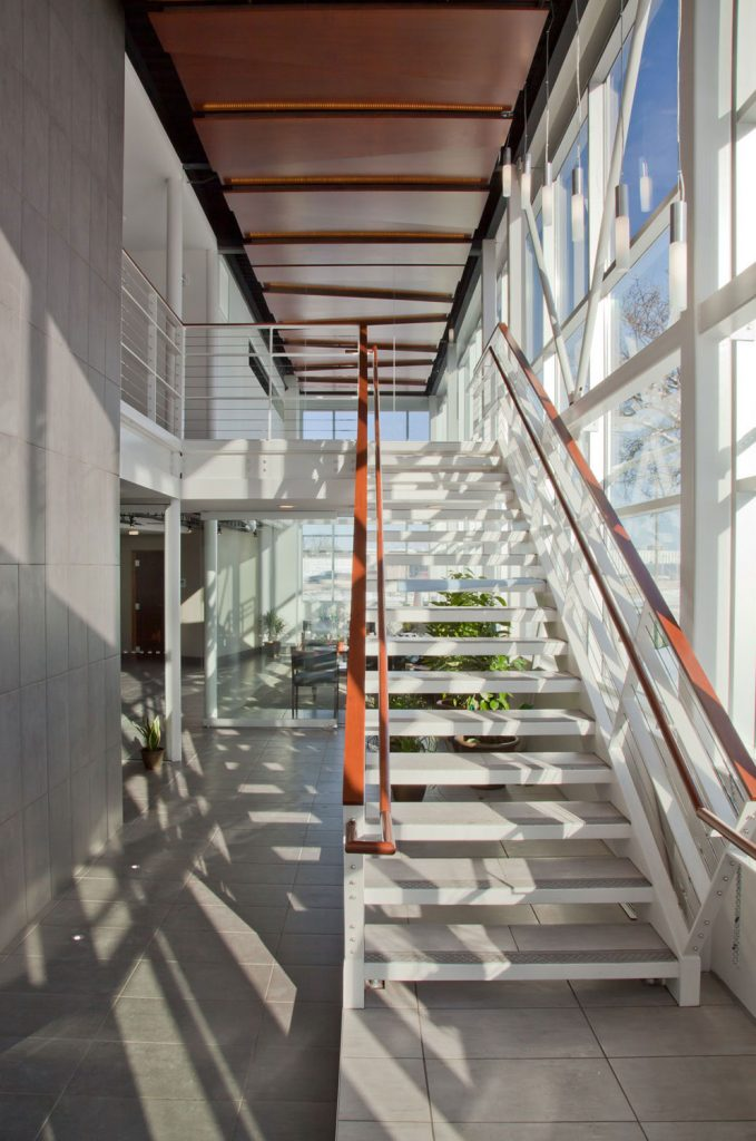 roehrschmitt_architecture_medical_whiting-clinic_interior_stair-679x1024.jpg