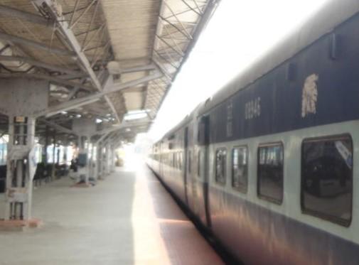 Kochi train.jpg