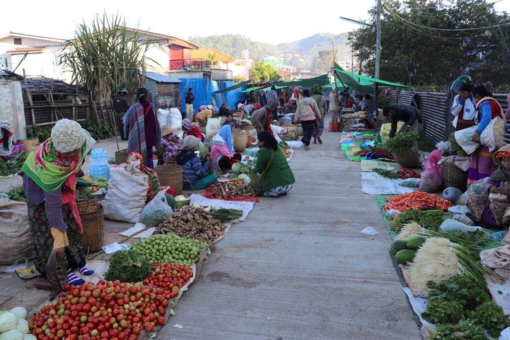 5daymarket.jpg