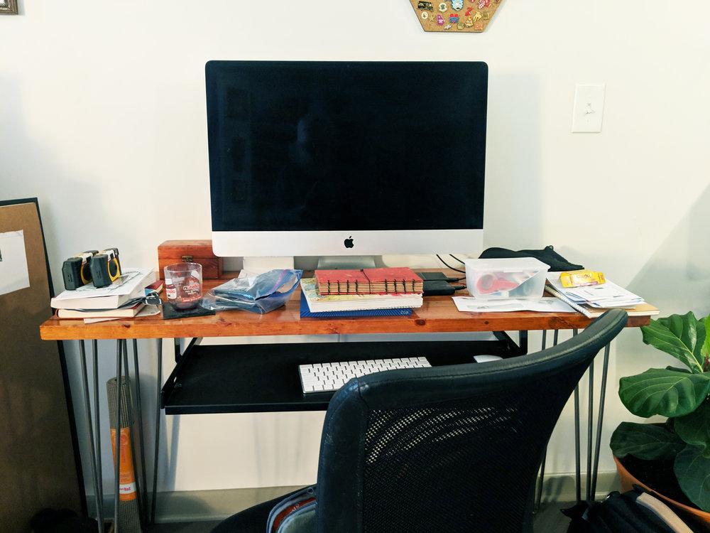 desk_before.jpg
