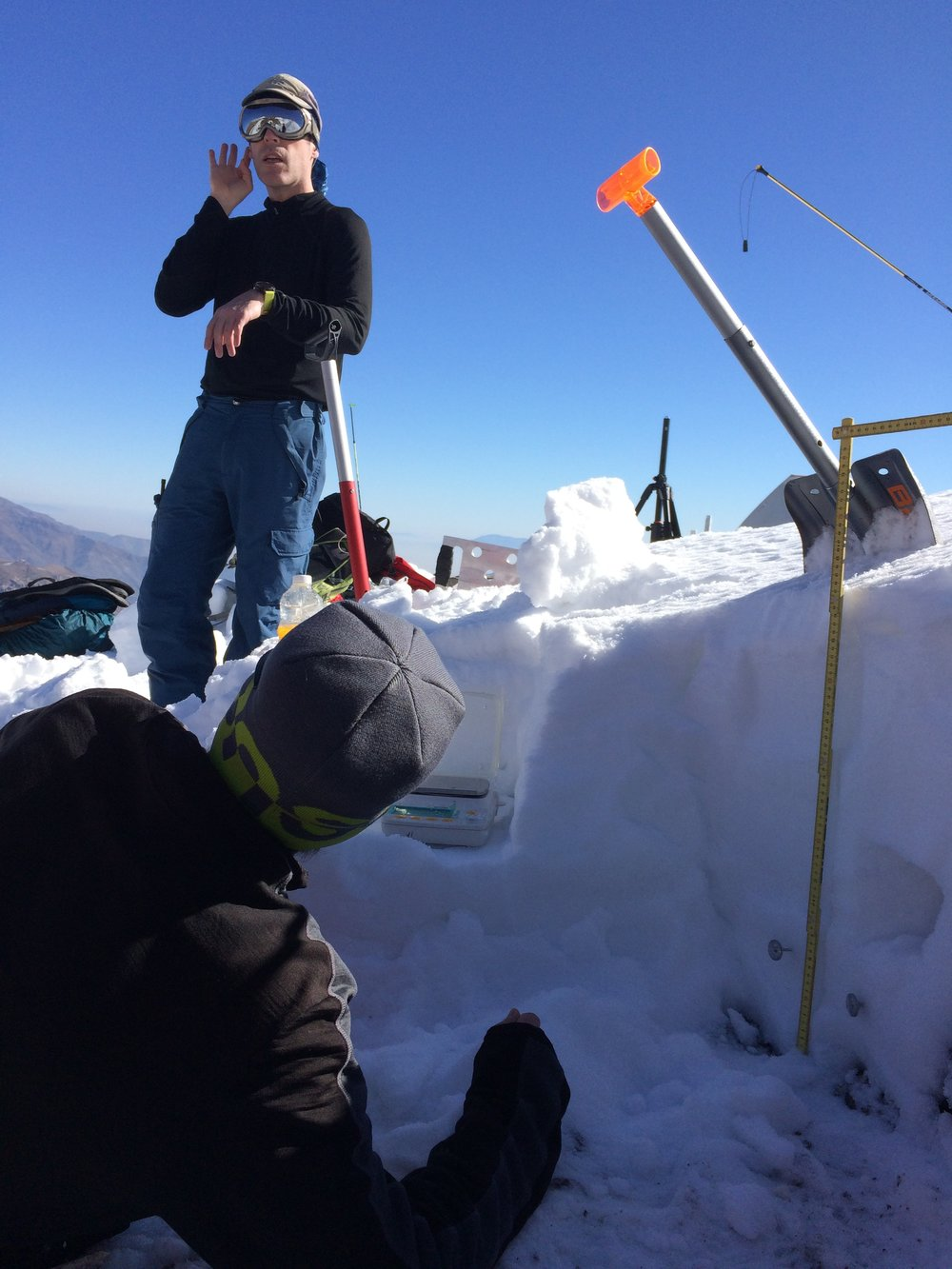 The snowpit shows the sorry state of the snowpack