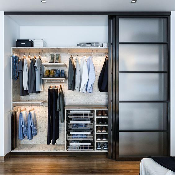 modern-reach-in-closet