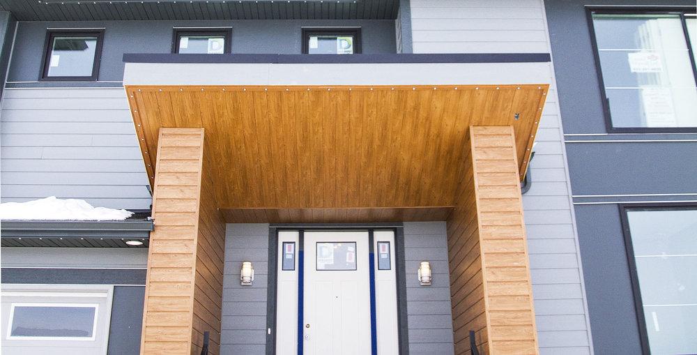 Risling Exteriors - Estate Home Entrance
