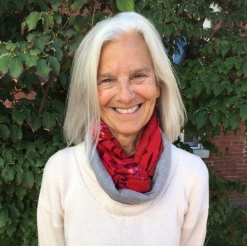 Carolyn Davis, CYT