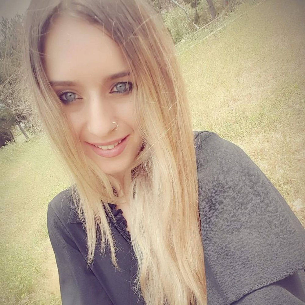 Angela Vamvakousi - Libero