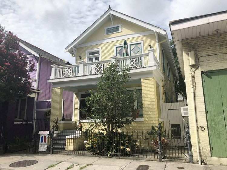 LARGE MULTI-FAMILY HOUSE IN THE FRENCH QUARTER - Living sq. ft: 2,200Each unit sq. ft: 1,100Stories: 2Units: 2Total bedrooms: 4Total bathrooms: 2Heating | A/C: Central