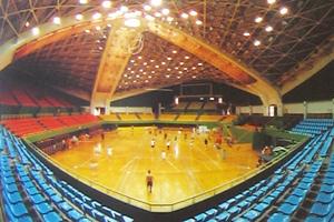 石景山體育館內景。99年7月20日,作者及數千法輪功學員被關押於此處。(網絡圖片)