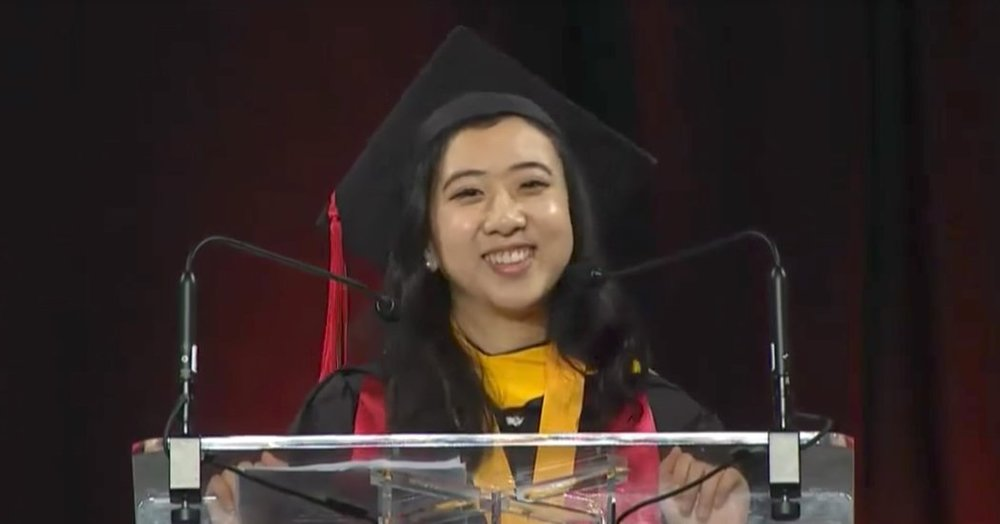 Yang Shuping speaking at the University of Maryland's commencement exercises.