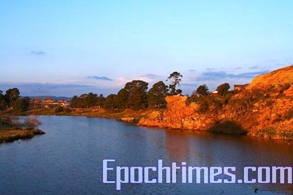 具田園詩般風光的Wollondilly 河。