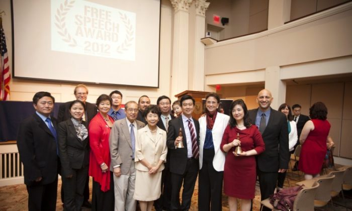 A group photo at the 45th World-Fest Houston Film Festival on April 23, 2012. From R to L: Film director Michael Perlman, Jennifer Zeng, Margaret Chew Barringer, Kean Wong, NTD President Zhong Lee, and Kean Wong's parents. On the far left is Charles Lee. Free China has recently opened for its theatrical release in the United States. (Edward Dai/The Epoch Times)  Originally published at: https://www.theepochtimes.com/through-film-calling-on-the-world-to-support-freedom-in-china_90996.html