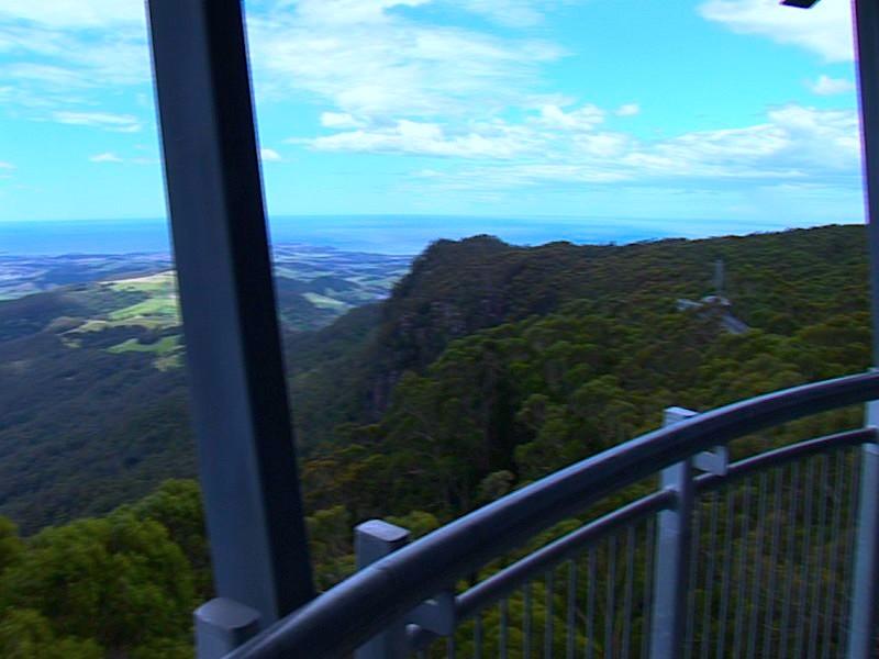 從騎士塔上極目遠眺,能將幾十公里之外的景色一收眼底。最遠處是南太平洋。