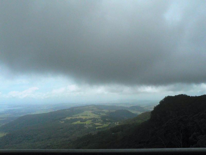 山雨欲來。