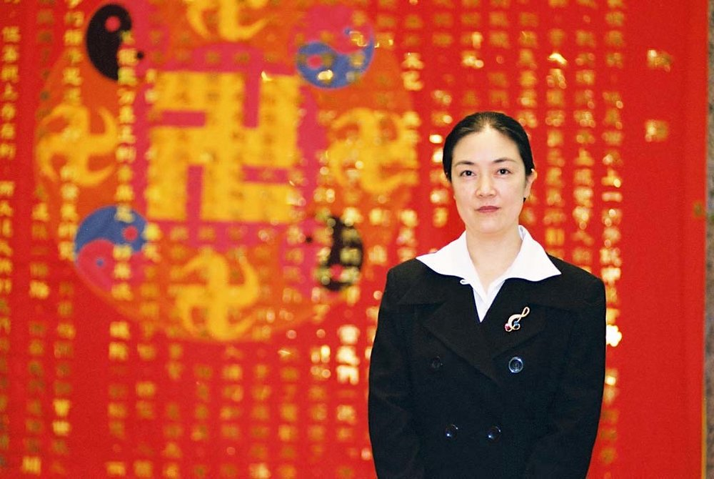 Jennifer in Taiwan in Jan. 2004, during her book launch events in Taiwan.