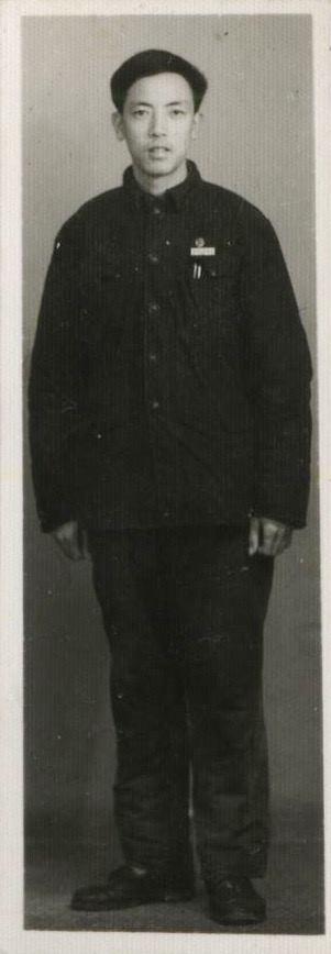 Jennifer Zeng 's father in university. 曾铮父亲在四川西南政法大学上学时的照片。