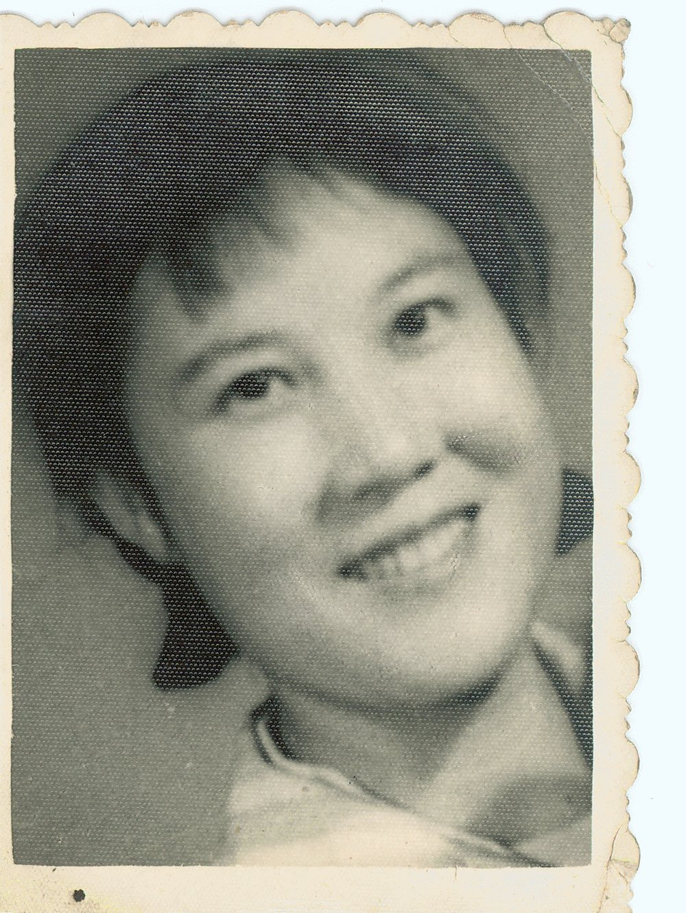 My mother when she was young. 母親年輕時。