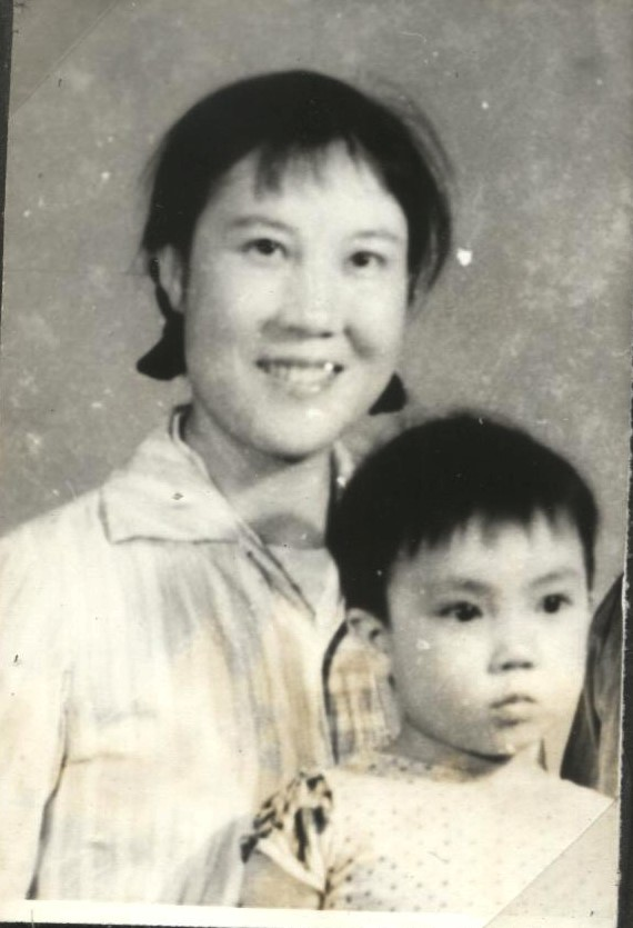 Jennifer still lived with her mother when she was three years old. (Provided by Jennifer Zeng)