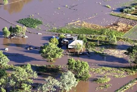 大片農田被淹(Bradley Kanaris /Getty Images )