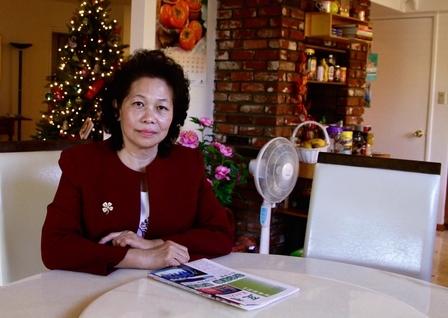 周美麗說,現在雖然不做校長了,但她依然要求自己以「真心」、「慈心」、「耐心」對待家裡的寄宿小留學生們。(曾錚/大紀元)
