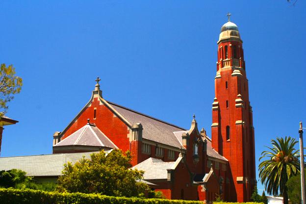 已被維州政府列為歷史遺蹟的Bairnsdale鎮上的聖瑪麗亞教堂。
