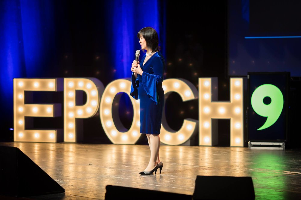 Jennifer Zeng at the Epoch Times event tells how she was persecuted for practicing Falun Gong.