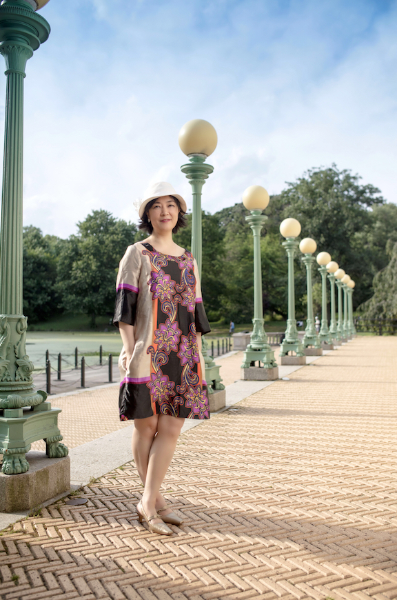 Jennifer at Central Park in New York on June 29, 2017. Photo by  Benny Zhang . 曾錚2017年6月29日攝於紐約中央公園。攝影: 張炳乾 。