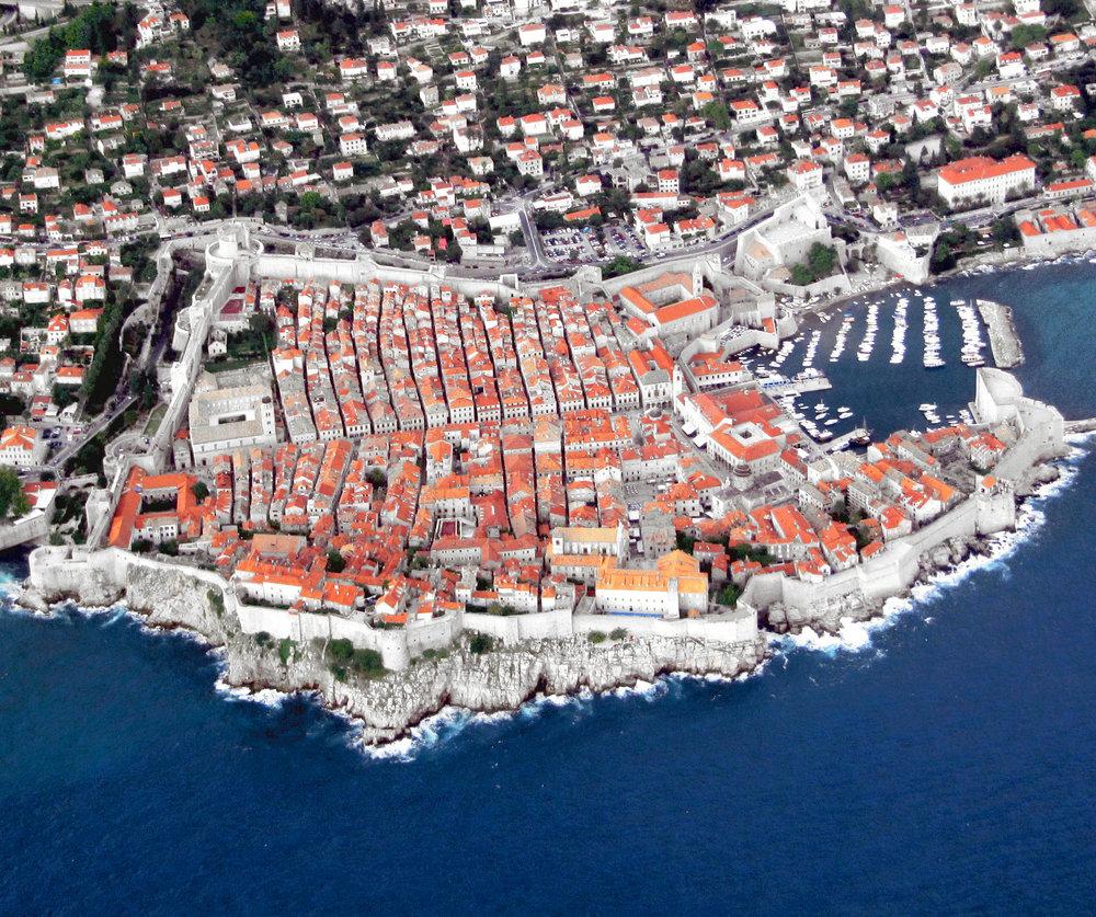 Dubrovnik vista desde un aeroplano, de  Michaelphillipr , 2009