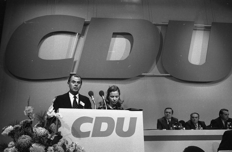 Discurso de Patricio Aylwin en el vigesimosegundo congreso de la CDU alemana en Hamburgo. Fotografía de Engelbert Reineke, noviembre de 1973