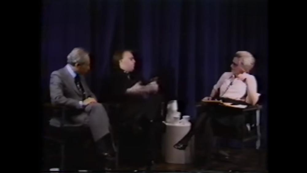 Leo Castelli y Joseph Kosuth en entrevista con Barbaralee Diamonstein-Spielvogel  ( fuente ).  Diamonstein-Spielvogel Video Archive .