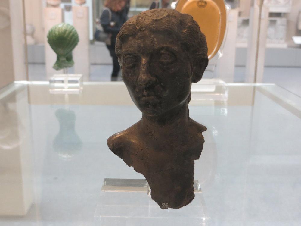 Busto de plata del  Boscoreale Treasure  del Museo Británico,  de  Jononmac46 , 24 de abril de 2014