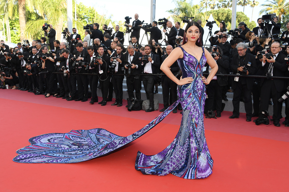 aishwarya-rai-michael-cinco-dress-cannes_7.jpg