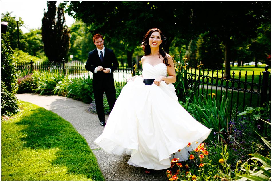 Lauryn Byrdy Photography_columbus ohio and portland oregon lifestyle wedding and engagement photographer