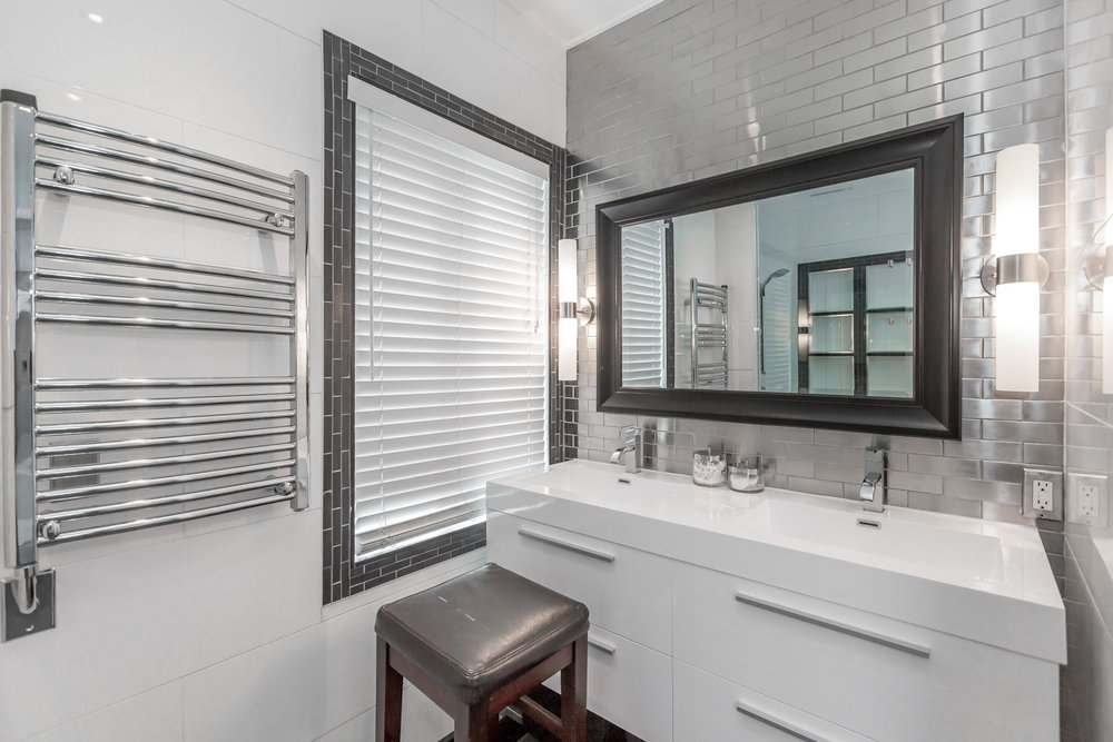 Modern Toronto bathroom