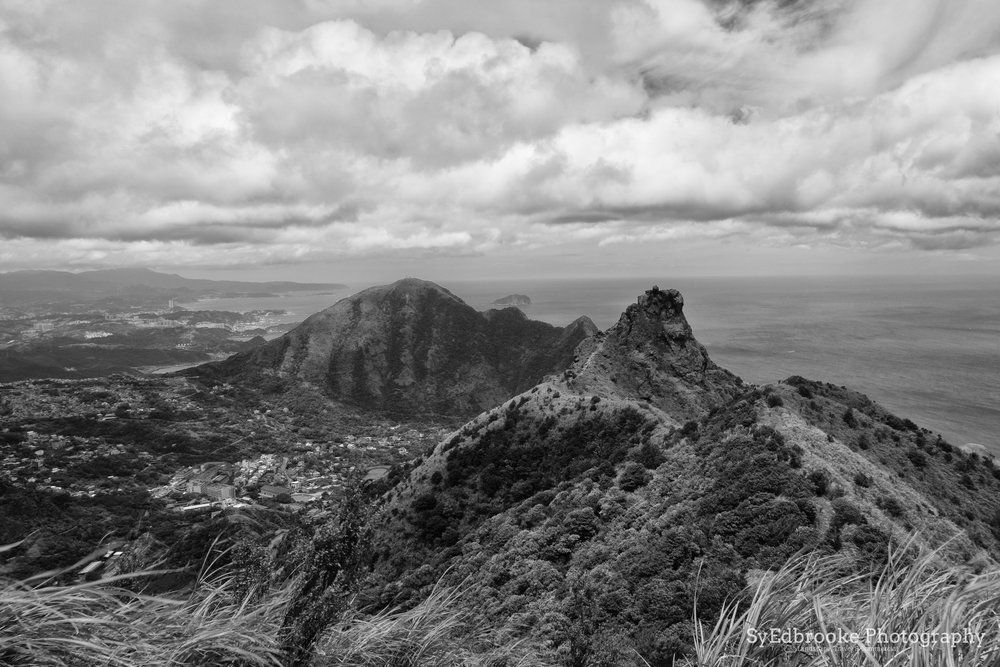 A view of both peaks.f11, ISO 200, 1/100, 24mm