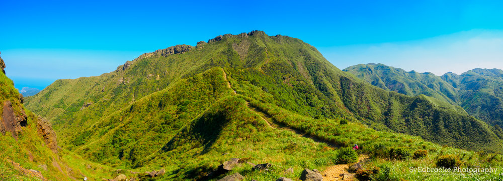 Spot the heart on the side of the ridge! f10, ISO 100, 1/80, 14mm (stitched)